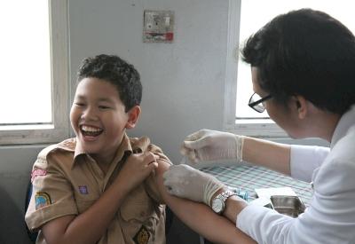 Tangkal Campak dan Rubella dengan Imunisasi