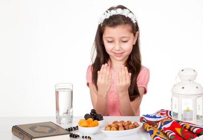 Mengajarkan Anak Berpuasa, Apa yang Harus Diperhatikan?